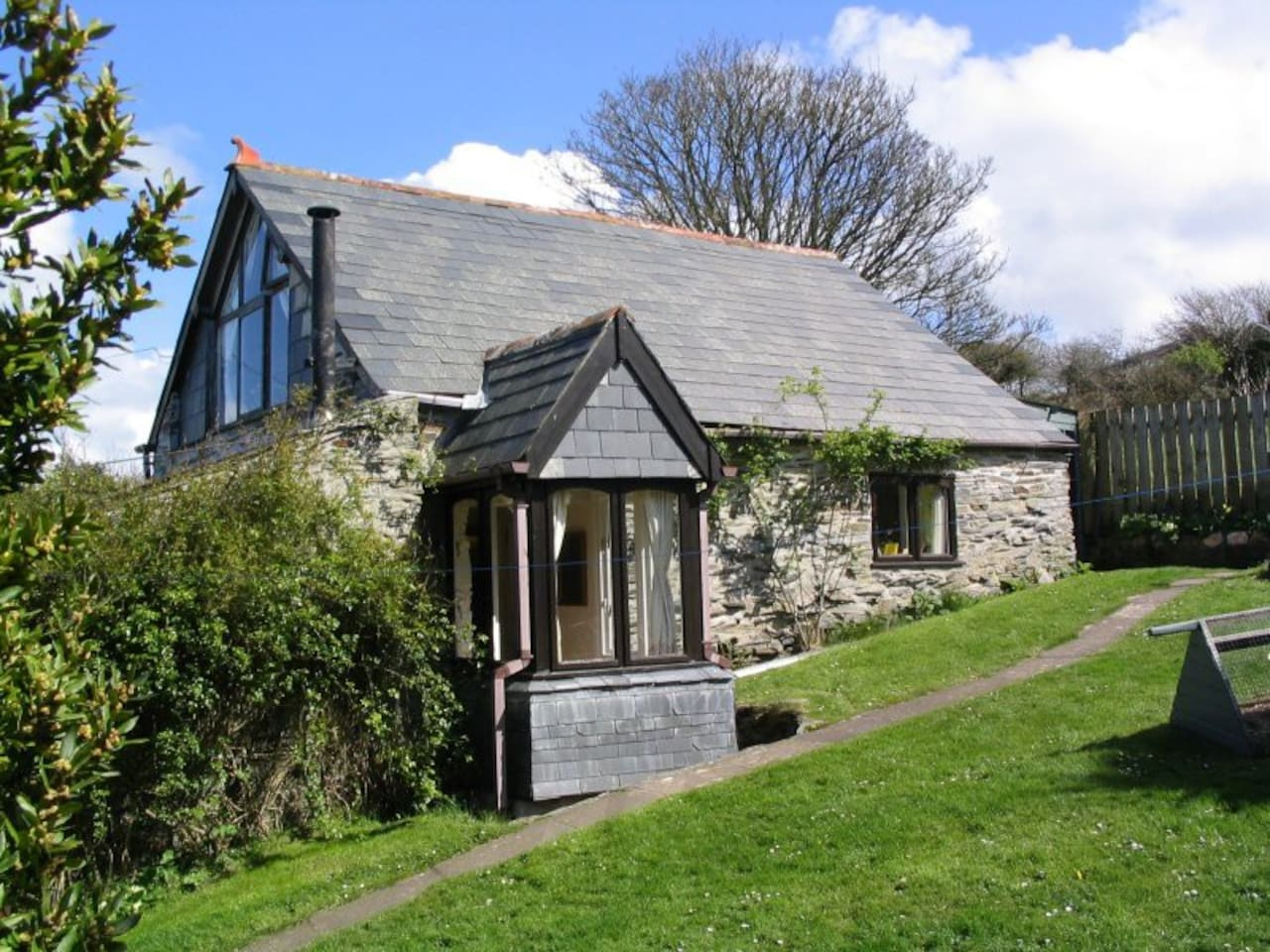 Romantic stone cottage in Boscastle, the perfect Cornish hideaway