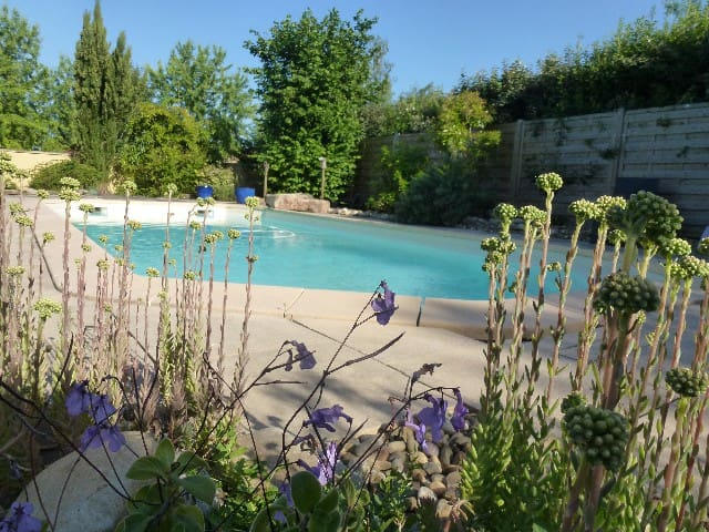 Nice house with swimming pool ! and breakfast ! - Dracy-le-Fort