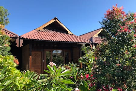 Spacious Bungalows at Inle Cottage Boutique Hotel