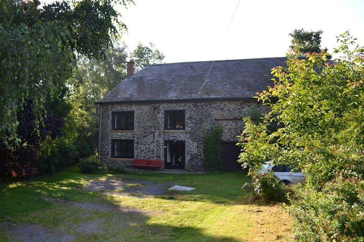 Authentiek vakantiehuis midden in de natuur - La Roche-en-Ardenne - Hus
