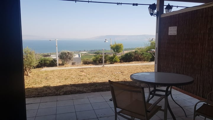Nice room with GREAT VIEW to the Sea of Galilee