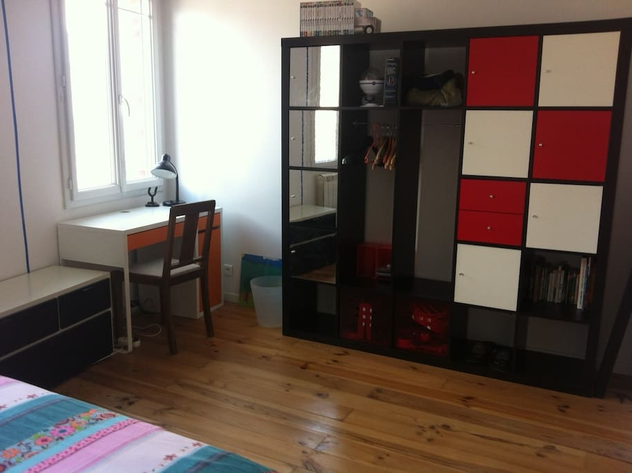 chambre avec bureau houses for rent in amiens. Black Bedroom Furniture Sets. Home Design Ideas