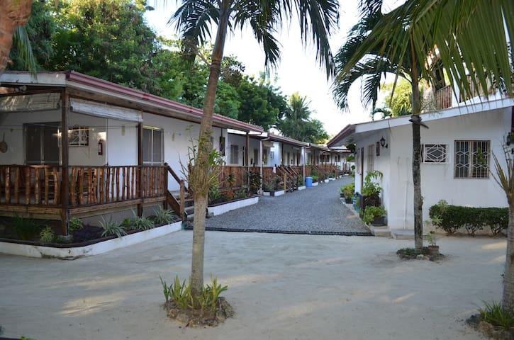 isla hayahay beach resort - Calape