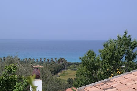 villa a zambrone marina,tropea - Huvila