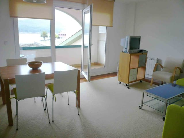 WONDERFUL VIEWS, ON THE BEACH - Corcubión - Apartment