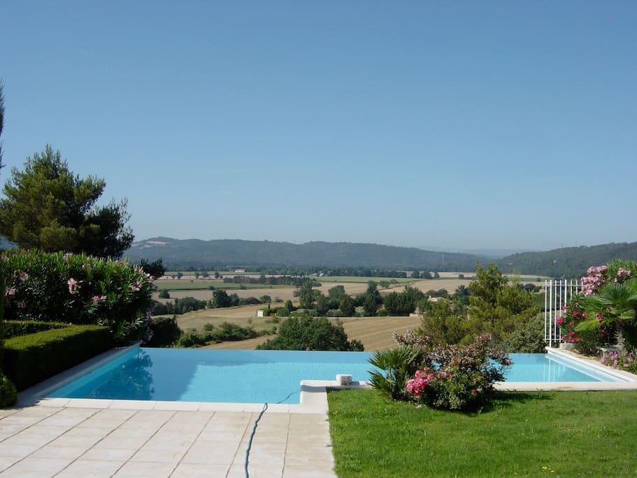 Magnifique villa avec piscine villas for rent in gr oux for Camping alpes hautes provence avec piscine