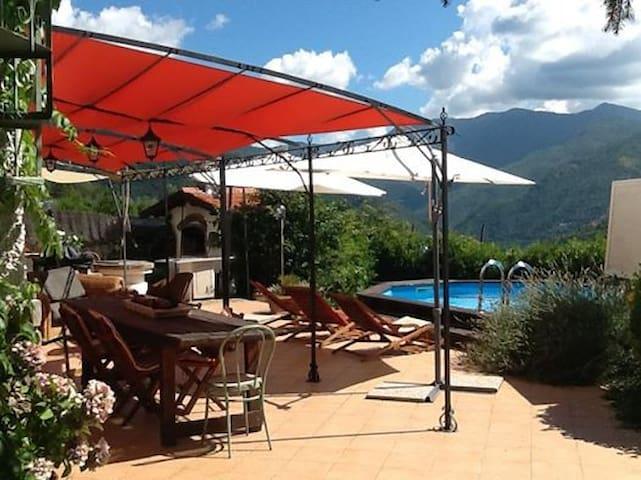 Una Villa tranquilla,  immersa nel verde - Pigna - Villa