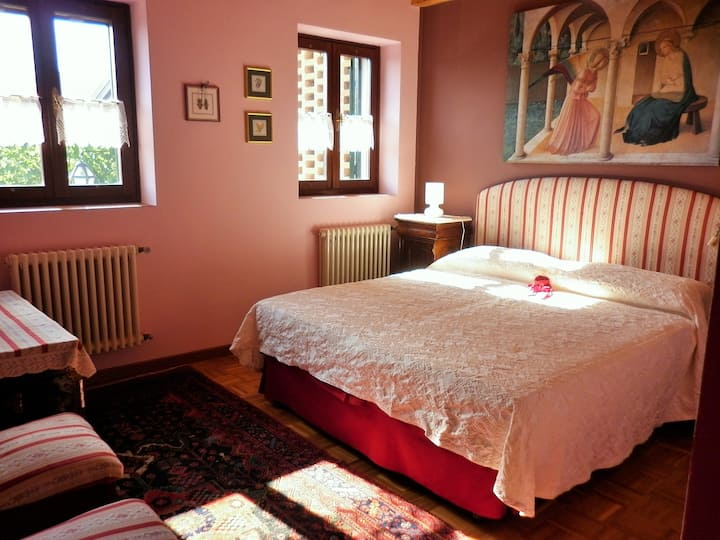 Romantic Room - House in the Wood Vicenza B&B