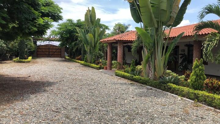 Hermosa Finca Condominio campestre en Santa Elena