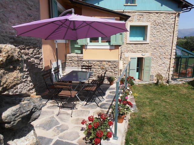 rural house  pyrineous, discount ski-resort Porté