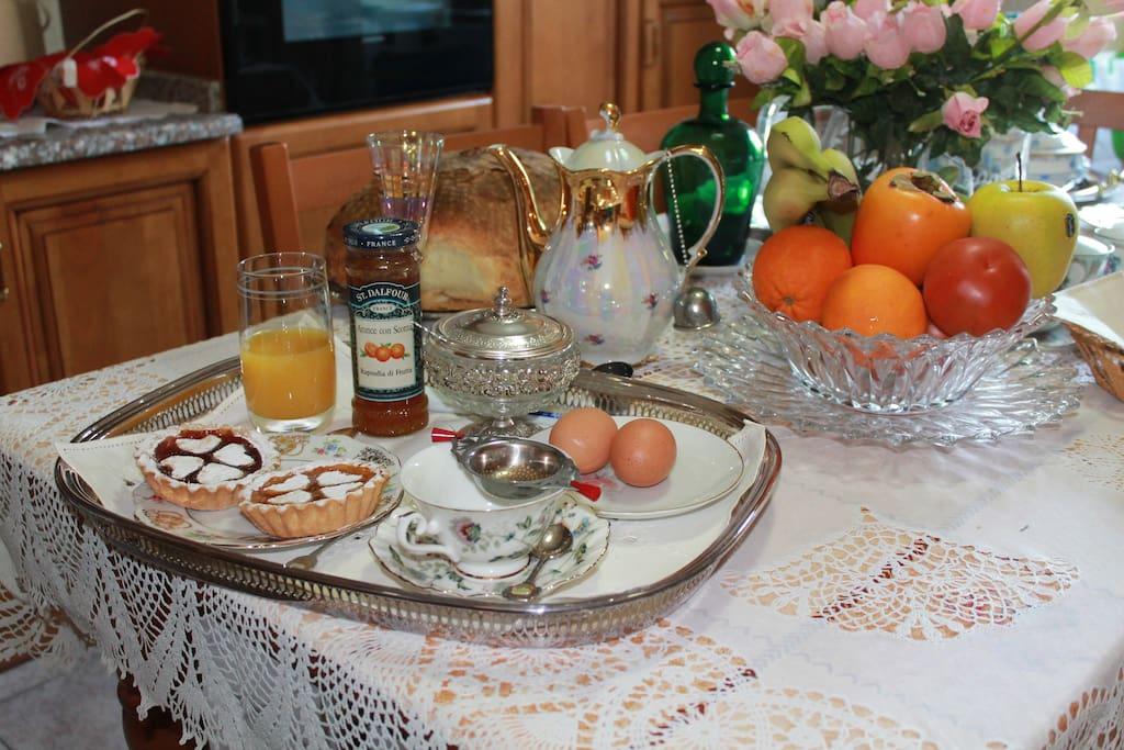 Ricca e abbondante colazione per tutte le esigenze (anche senza glutine)