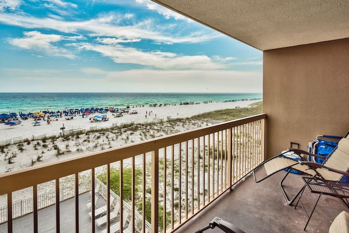 Great views of beach and ocean from spacious balcony