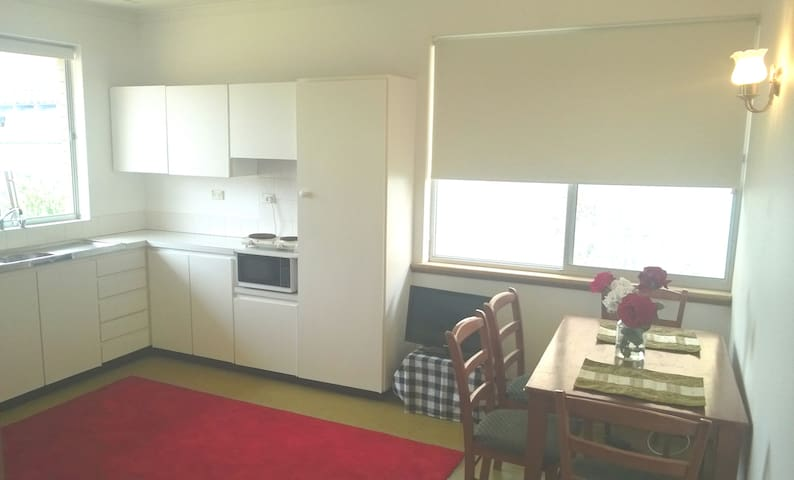 Rose Studio (2 rms) nr beach & Freo - Beaconsfield - Apartment