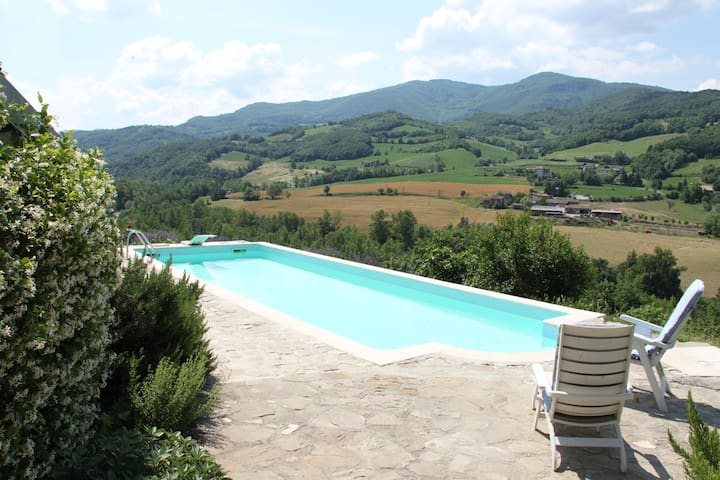 appartamento in collina con piscina - Zavattarello - Departamento