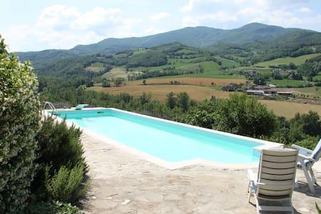 appartamento in collina con piscina - Zavattarello - Huoneisto