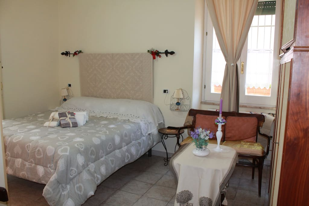 Single room with private bathroom chambres d 39 h tes for Bathroom traduction