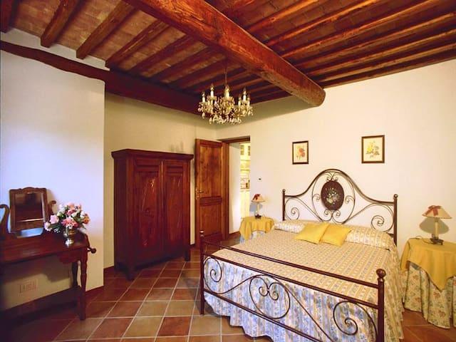La Valle a Polvereto-Girasole Suite - Montespertoli - Appartamento