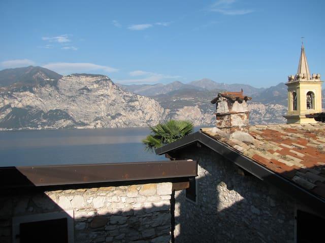 Nuovo Appartamento in Borgo Antico - Brenzone - Apartment