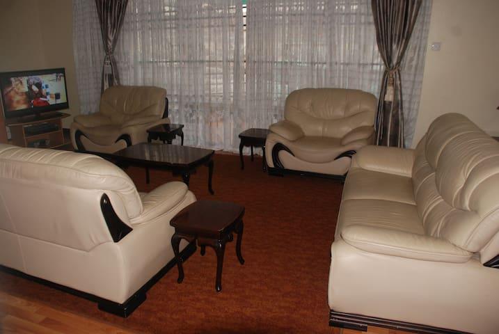 3 B/R  Furnished Apt Kileleshwa NRB - Nairobi - Leilighet