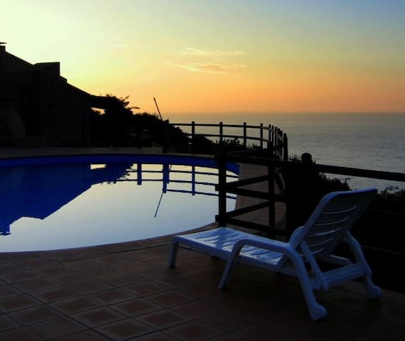Delightful house with pool& seaview