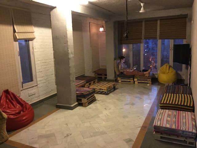 Jugaad Hostels DORM 1 - Bed 4