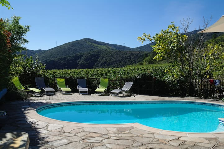 Villa, private pool, amazing views! - Mons - Casa