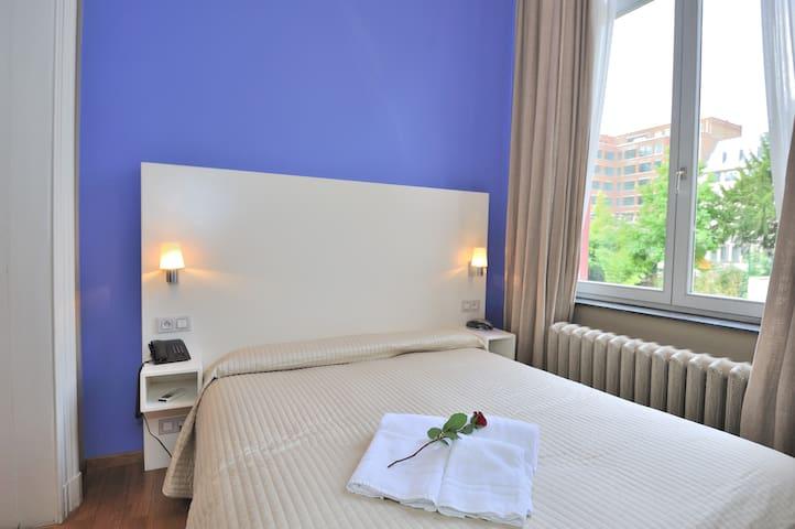 Cute private suite in EU District