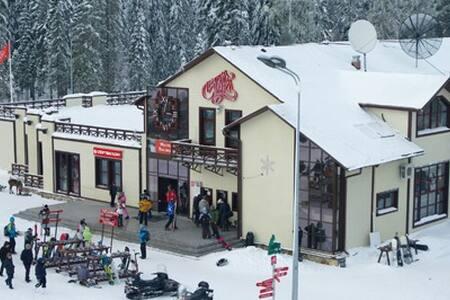 Коттедж у горнолыжного курорта Игора - Saint Petersburg - Ev