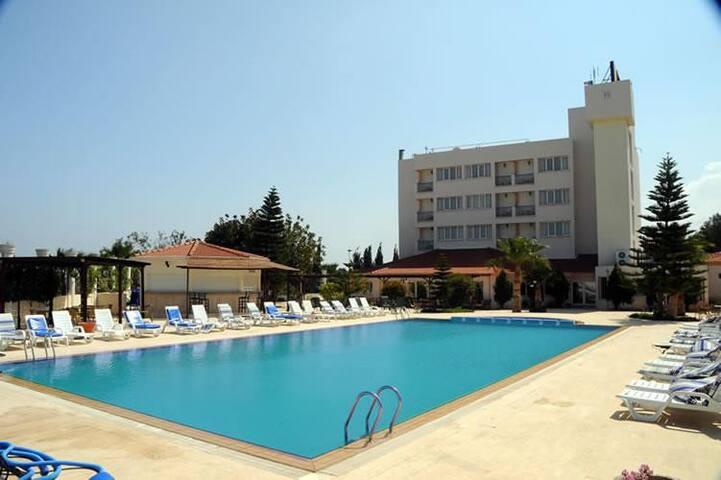 Mountain View Hotel Northern Cyprus - Kyrenia - Aamiaismajoitus