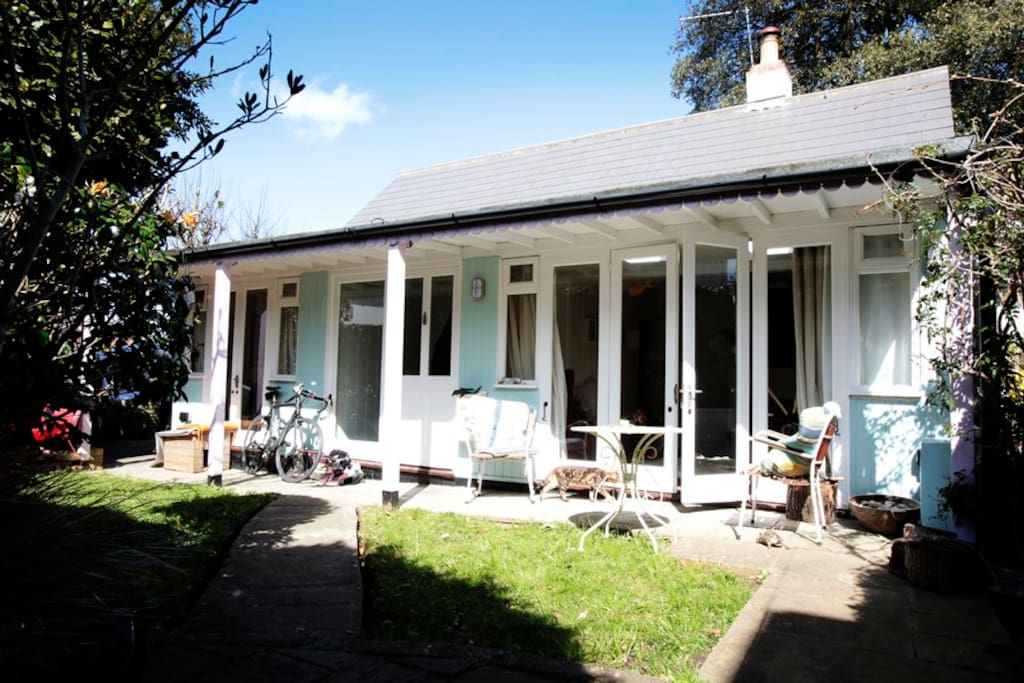 Vintage Seaside Holiday - Cottages for Rent in Seaview ...