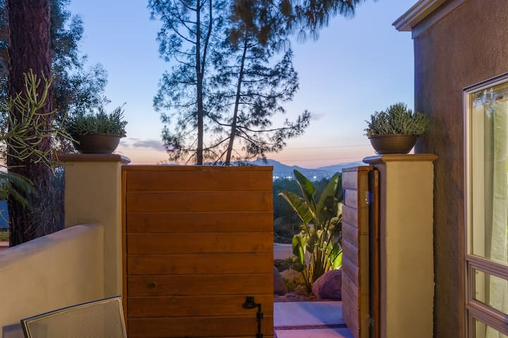 Welcome to your private retreat with amazing city and mountain views.