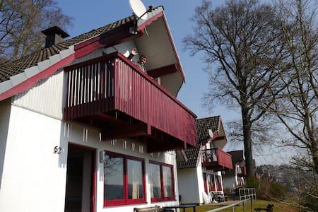 "House ""Milla"" in lake park - Kirchheim, Reimboldshausen - Hus"