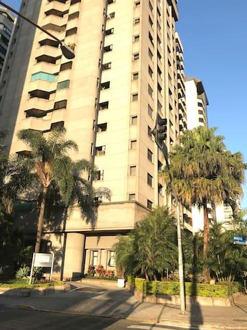 Apartamento Flat Service- mobiliado em Moema 50m2