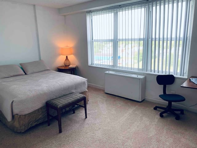Private Bedroom & Private Full Bath! Waterview!