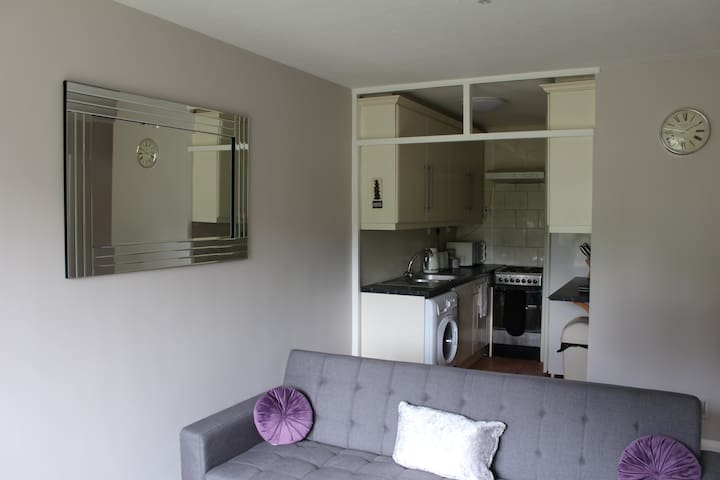 Comfy, cosy, stylish Hitchin flat
