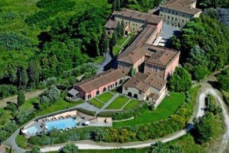 Borgo di Colleoli - Apt Trilocale - Pontedera