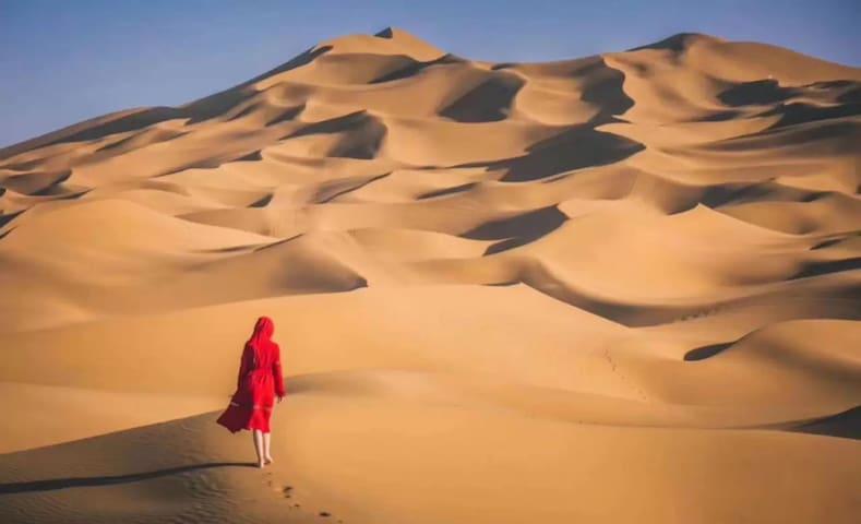 敦煌鸣沙山沙漠露营基地 【文哥带你去沙漠腹地看星空】 【文哥带你去沙漠深处玩游戏】 【文哥带你飞车】