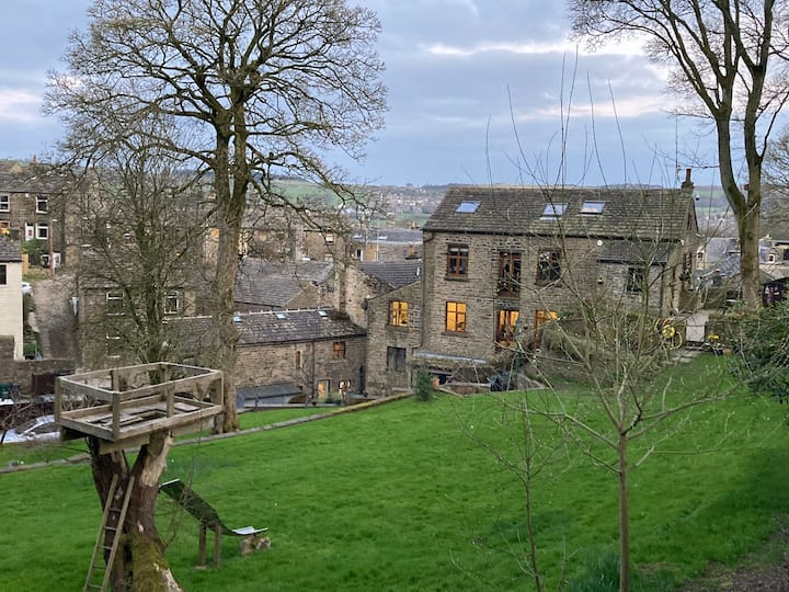 Bridge Flat - Old Corn Mill, Oakworth, W.Yorkshire