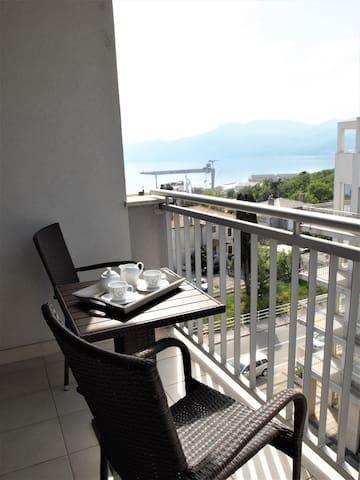 Apt for 2+2 persons with WLAN in Rijeka R78845