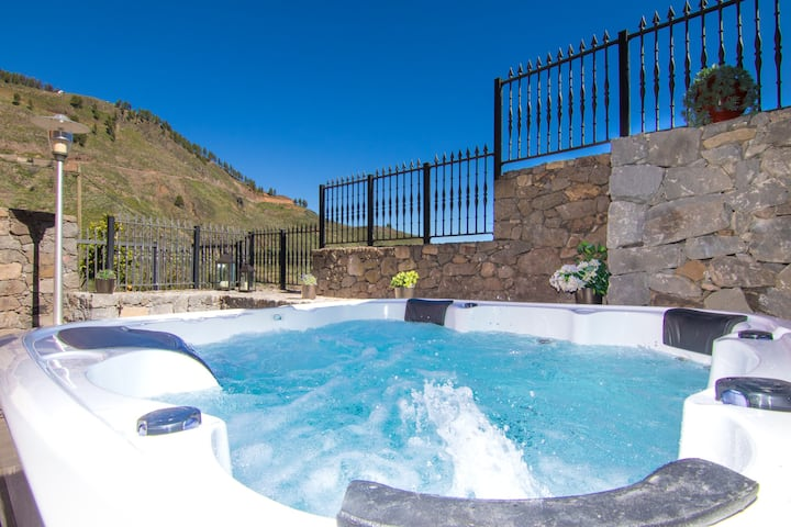 New* Villa Mogaren: jacuzzi & beautiful views