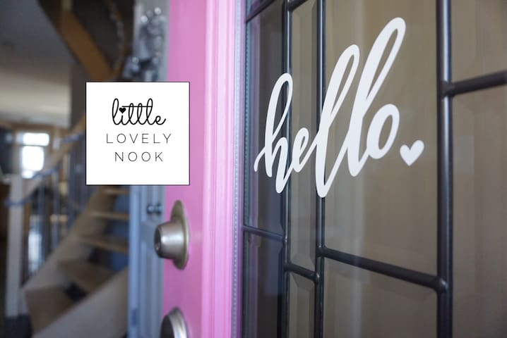 LITTLE LOVELY NOOK • Modern Room Close to Downtown - คัลการี