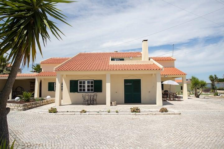 Casa de ferias com piscina , 50 minutos de Lisboa