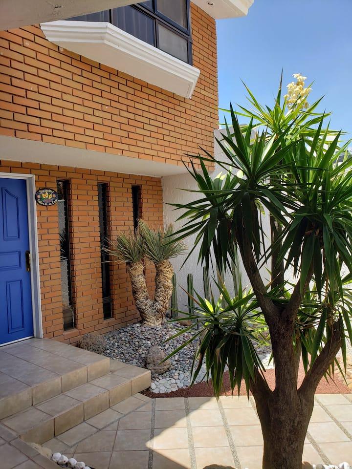 Casa De Regil...  Lomas Zona Residencial.