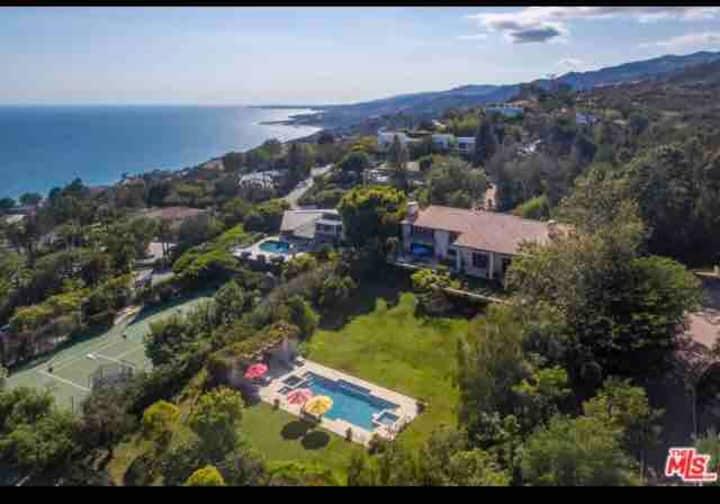 Magnificent Mediterranean villa  with ocean view