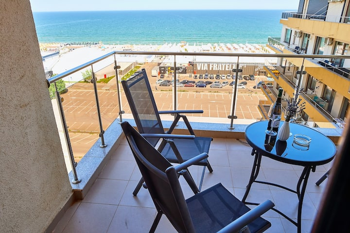 Summerland Sea View 2BD apartment in Mamaia north