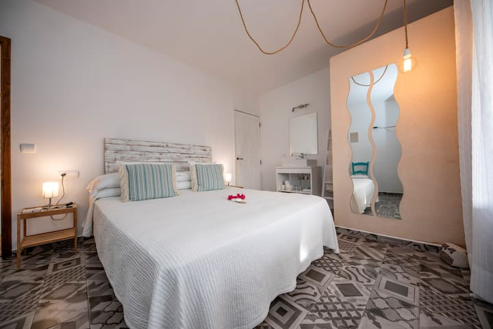 Double room-Ensuite with Shower-Terrace-Na Blanca