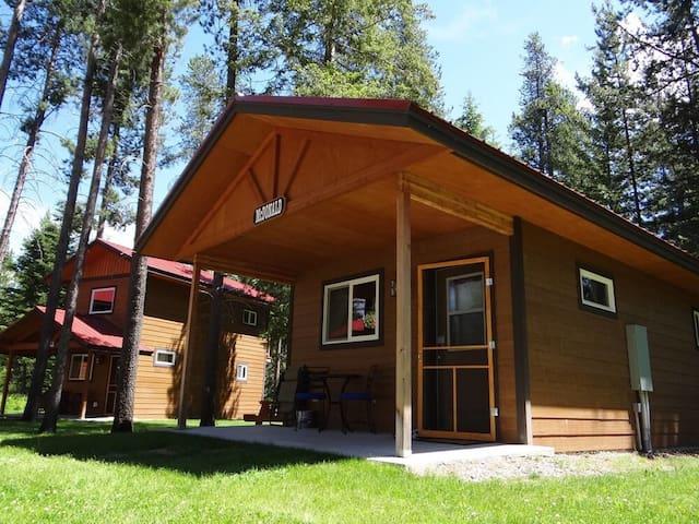 McDonald Cabin @ The Historic Tamarack Lodge