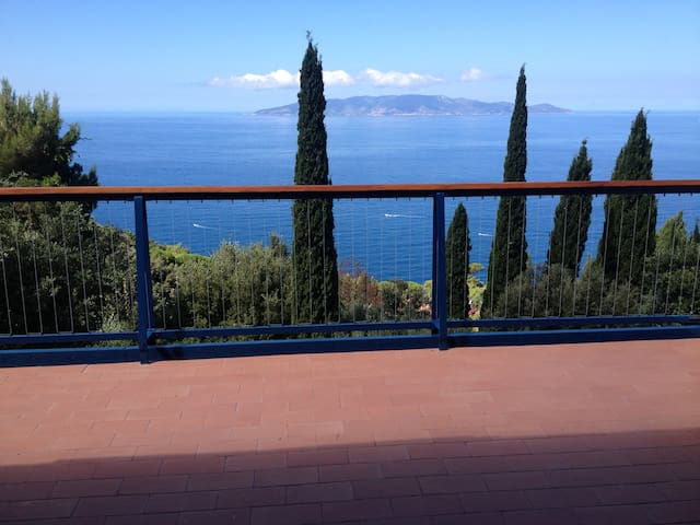 Terraced house with beautiful panoramic view - Monte Argentario - Rekkehus