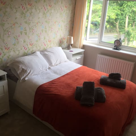 Lovely double bedroom - Wellesbourne - 獨棟