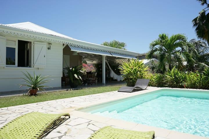 Villa de standing avec vue mer et piscine